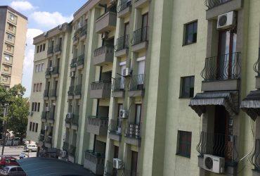 Prodavam stan 43m2 vo Centar -Kjubi