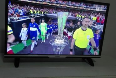 SE PRODAVA SMART TV KAKO NOV