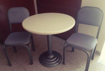 Masa i 4 stolici